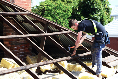 Repairing damaged roof frame